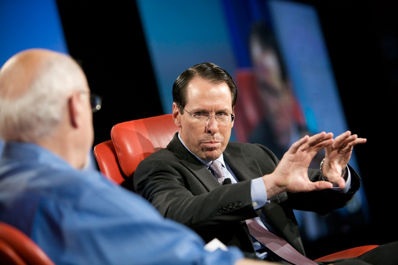 AT&T's Randall Stephenson answers Walt Mossberg's question at D7.