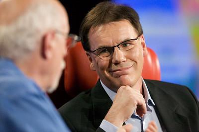 Walt Mossberg and Nokia CEO Olli-Pekka Kallasvuo, onstage at D7.