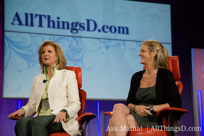 Arianna Huffington, founder of The Huffington Post and Katharine Weymouth, publisher of The Washington Post, onstage at D7.