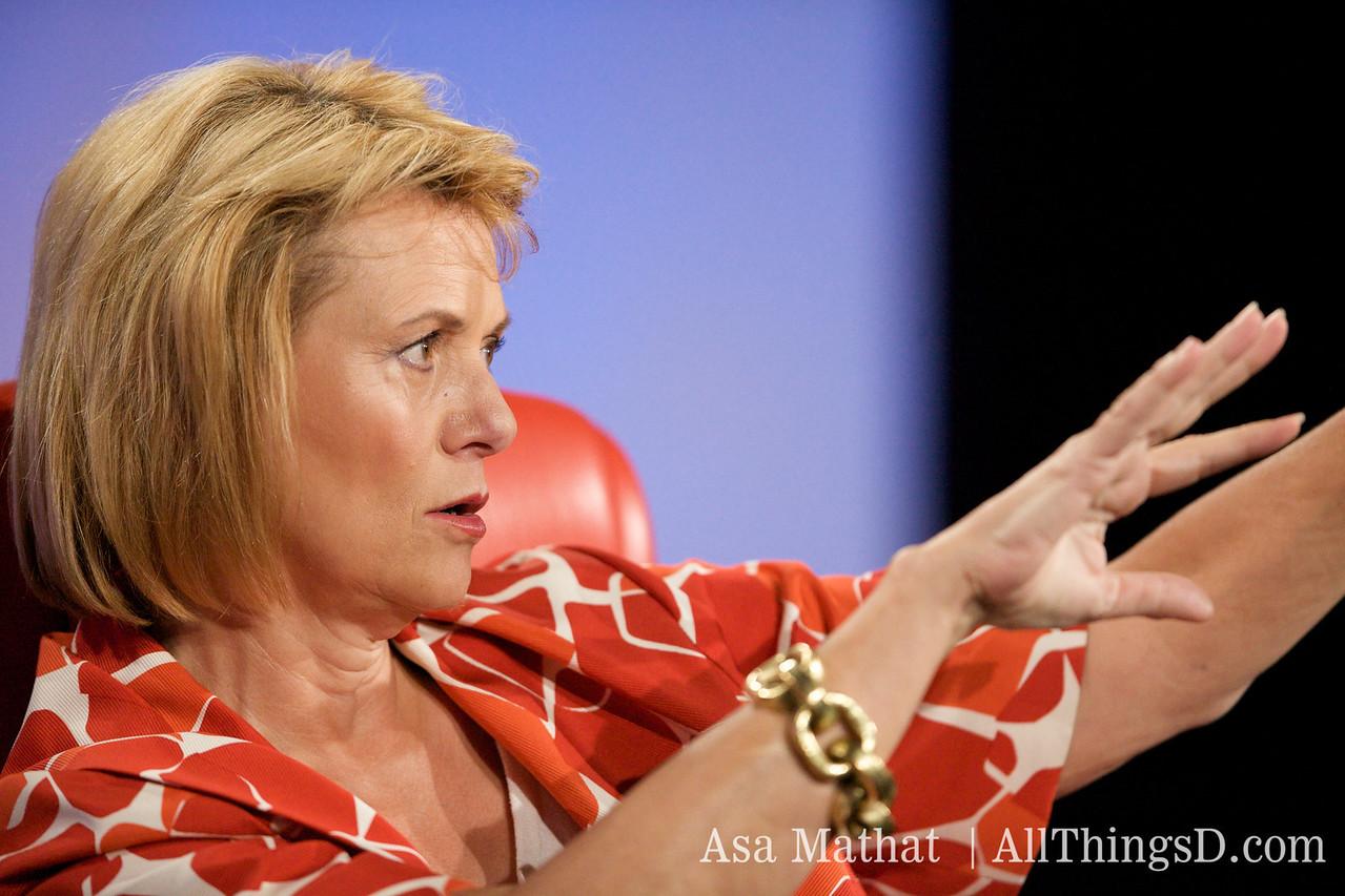 Carol Bartz, Yahoo CEO, mesmerizes the crowd at D7.