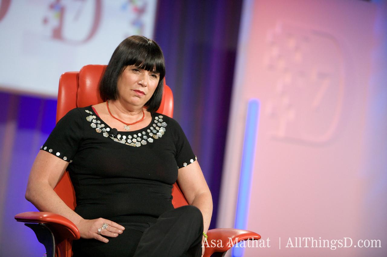 Eve Ensler on-stage at D7.
