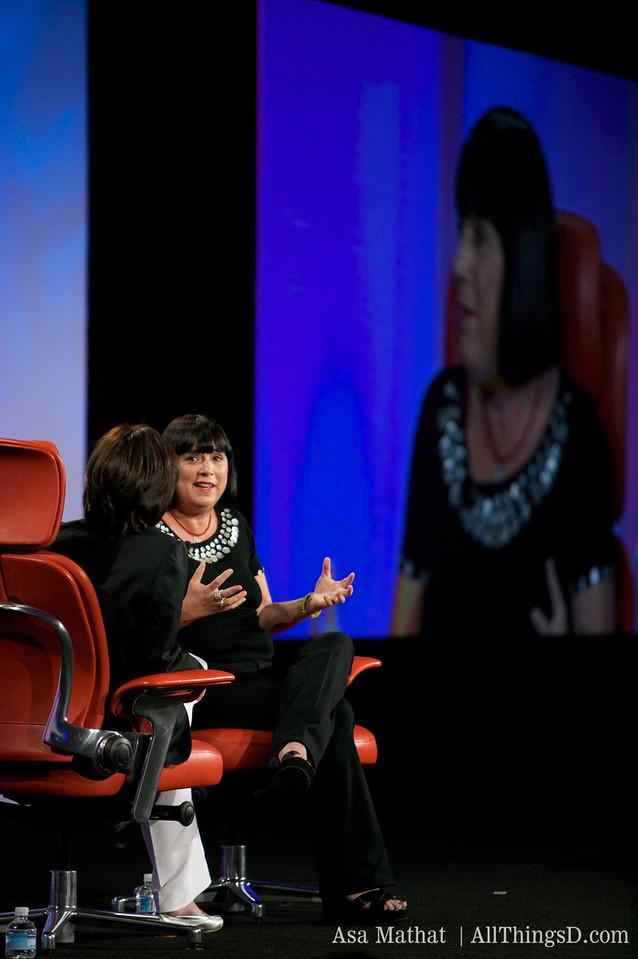 Eve Ensler at D7.