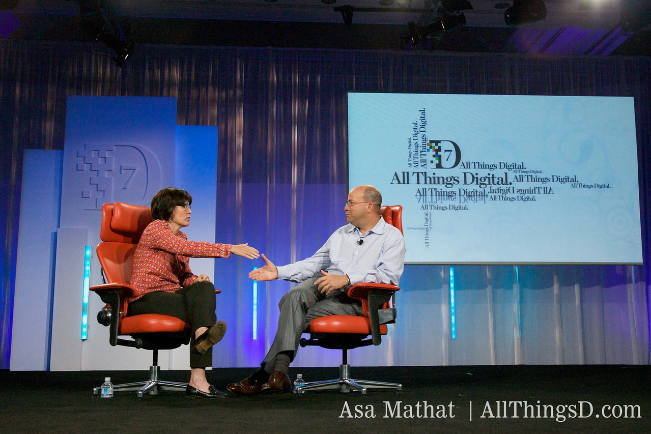 Kara thanks Jeff Zucker at the conclusion of his session at D7.