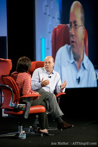 Jeff Zucker talks with Kara Swisher during his session at D7.