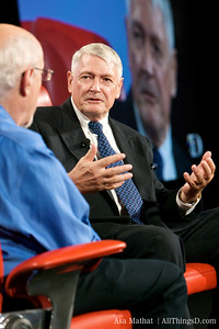 John Malone, Chairman of Liberty Media Corporation, makes a point to Walt Mossberg during their D7 session.