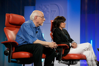 Walt Mossberg and Kara Swisher interview guests at D7.
