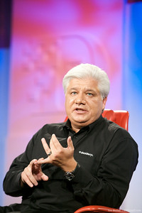 MIke Lazaridis makes a point during his presentation at D7 with Walt Mossberg.