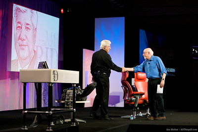 Walt welcomes RIM CEO Mike Lazaridis to the D7 stage.
