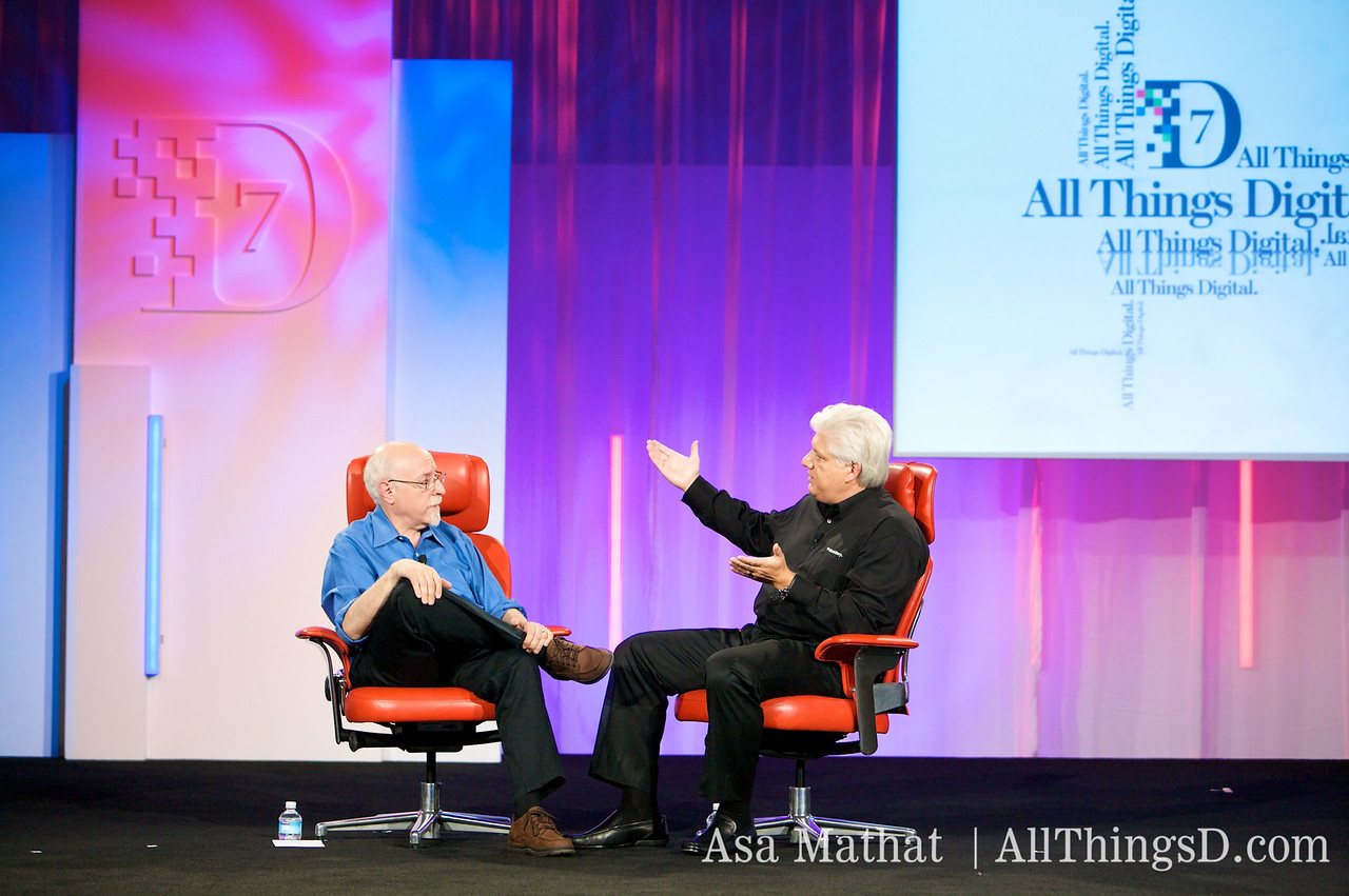 Walt Mossberg and Mike Lazaridis.
