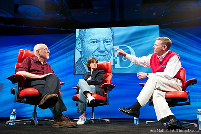 Ford CEO Alan Mulally at D8 with Walt Mossberg and Kara Swisher.