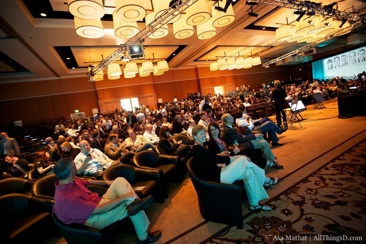 Attendees take their seats in the D8 ballroom for opening night speaker Steve Jobs.