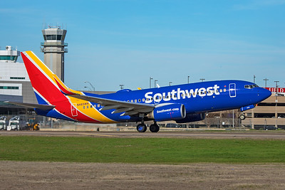 Southwest Airlines Boeing 737-7H4 N485WN 2-2-20