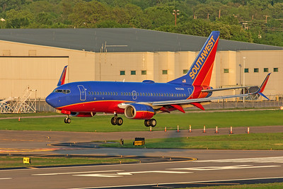 Southwest Airlines Boeing 737-7H4 N282WN 4-12-20