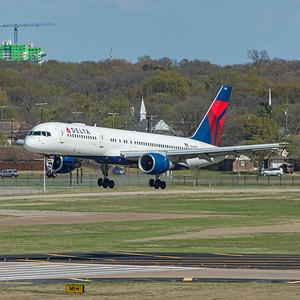 Delta Air Lines Boeing 757-232 N663DN 3-25-21 1