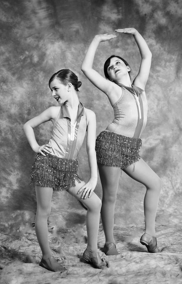two jaz dancers