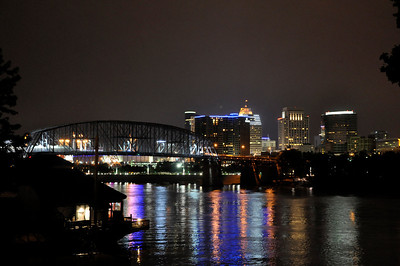 DOWNTOWN CINCINATI AT NIGHT