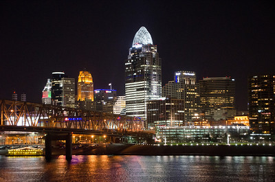 CLOSE UP OF DOWNTOWN CINCINNATI AT NIGHT