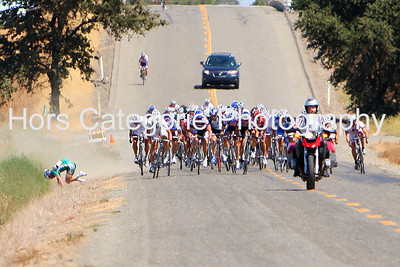 6710 - Men - Pro/1/2 - A Webcor rider crashes with 200 m to go. continued.
