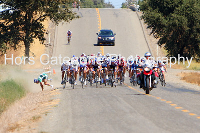 6708 - Men - Pro/1/2 - A Webcor rider crashes with 200 m to go. continued.