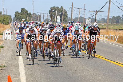 6757 - Men's Cat 3 - Mike Carr, Rio Strada Racing,  has Robbie Franscioni,  California Giant Cycling, on his wheel