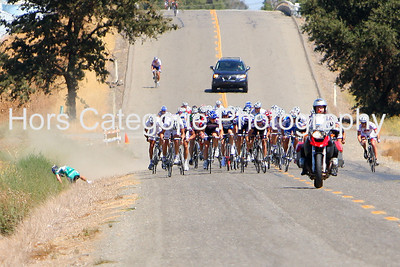 6711 - Men - Pro/1/2 - A Webcor rider crashes with 200 m to go. continued.