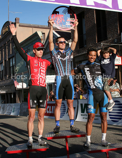 7810 The Podium - BMC's Scott Moninger, Navigators' Darren Lill and Discovery's Tony Cruz and Son