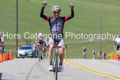 9899 Andres Gil (Michael David Winery Cycing Team) wins the Men's 35+ 1/2/3 race.