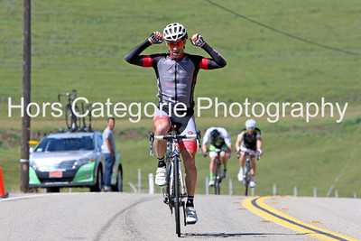 9893 Andres Gil (Michael David Winery Cycing Team) wins the Men's 35+ 1/2/3 race.