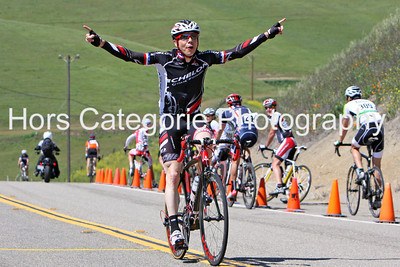 9996 Cale Reeder (Echelon Gran Fondo/Charity of Choice)  Winner. Men's 45+ 1/2/3.