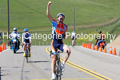9845 Christopher Harland Dunaway  (Davis Bike Club)   wins the Men's Cat 3 race.
