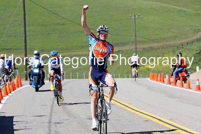 9844 Christopher Harland Dunaway  (Davis Bike Club)   wins the Men's Cat 3 race.