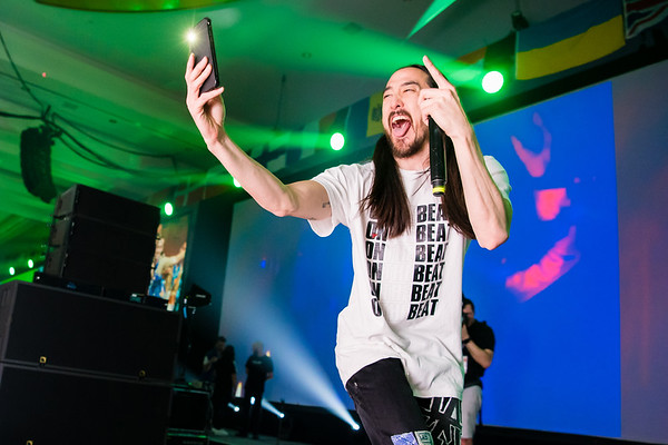 Steve Aoki adds to his Snapchat story during his performance in Orlando, FL.