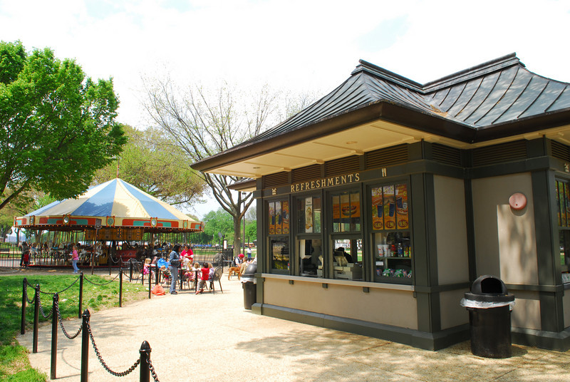 080430016 - Refreshment stand near the carousel on the National Mall, Washington, DC. Photo by Nicolas Tan.