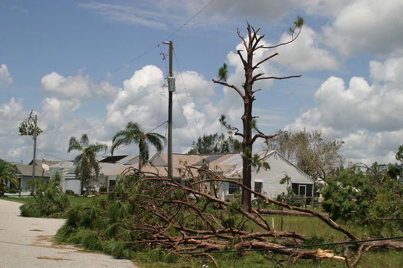 Hurricane 15 Aug 2004 091