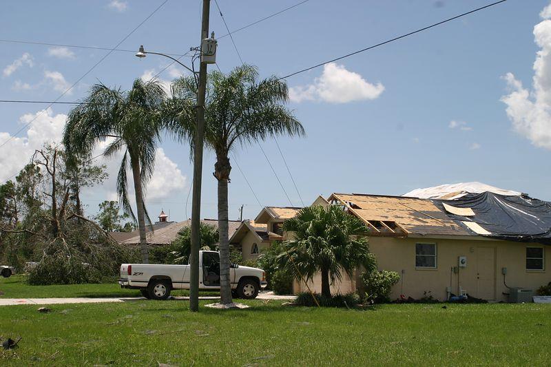 Hurricane 15 Aug 2004 104