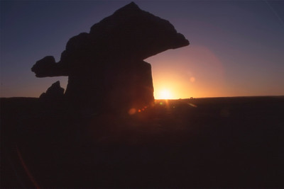 Poulnabrone Dolmen im Abendlicht