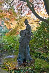 Statue einer Frau, Japanischer Garten Leverkusen
