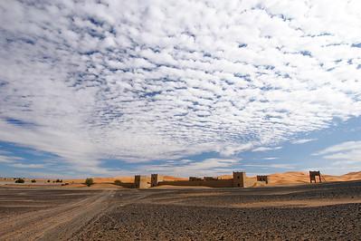 Kasbah in der marokkanischen Wüste, Erg Chebbi, casbah in the Moroccan desert