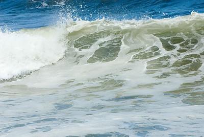 Wellenkamm an der Küste von Hawaii