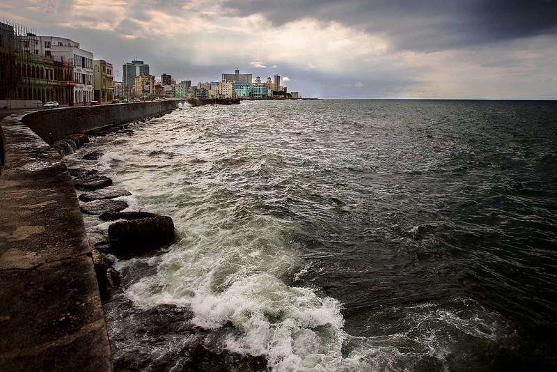 """© Emanuele Pagni Fotografer - Kuba - Havanna - """"Wellen auf dem Malecon"""""""