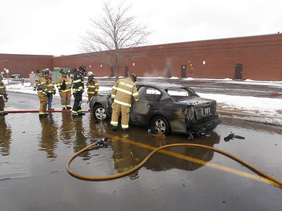 NEW CASTLE TOWNSHIP VEHICLE FIRE 12-21-2009 PICTURES AND VIDEO BY COALREGIONFIRE