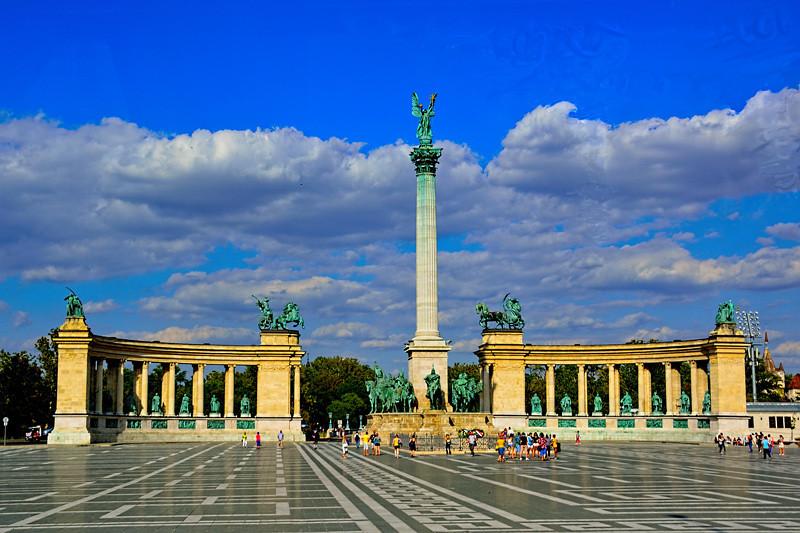HEROES PLAZA, BUDAPEST, HUNGARY