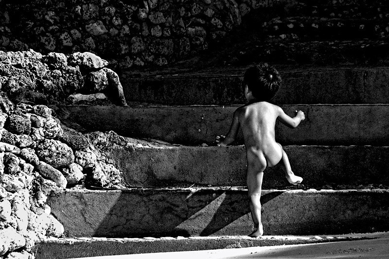 """The Naked Boy"" - The next five pictures are my photos of my encounter with this naked boy. For more descriptions you may click <a href=""http://andresalvador.smugmug.com/PEOPLE-PHOTOS/THE-NAKED-BOY/13134516_6kt65#952629310_tk5g8""><b>NAKED BOY<b></a>"