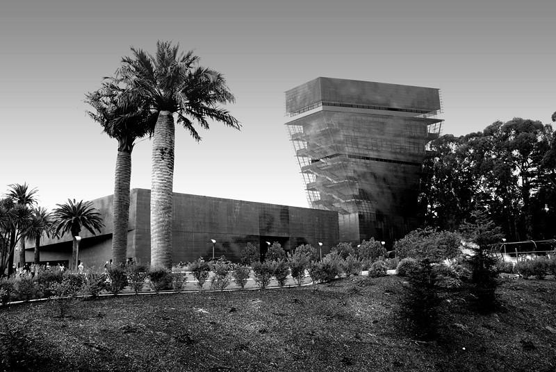 De Young Museum at San Francisco Golden Gate Park, california.