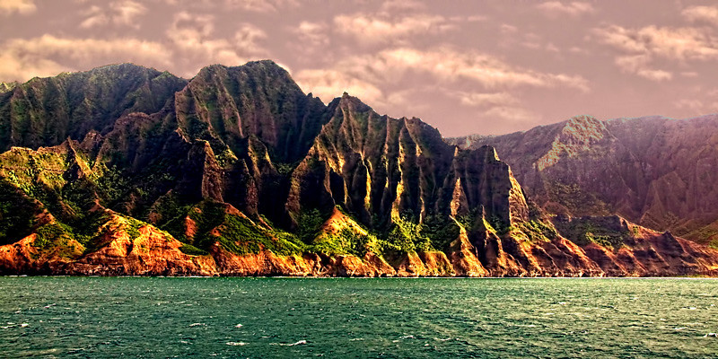A view of the Na Pali Coast in Kauai, Hawaiian Island group, USA.