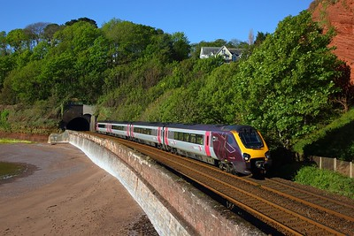 220110 1M33 0725 Plymouth to Manchester Piccadilly at Coryton Curve on the 11th May 2019