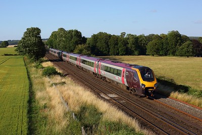 220006 leading 220034 on 1O22 Manchester Piccadilly to Bournemouth at Wallers Ash on 17 July 2020  Class220, CrossCountry, SWML