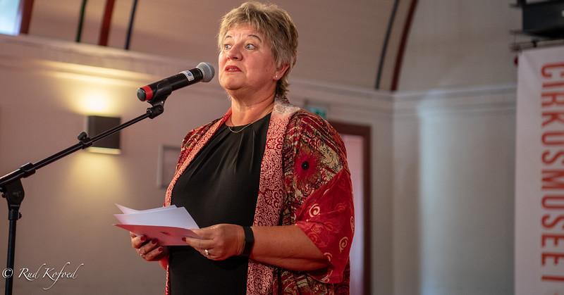 Helle Adelborg siger velkommen for tredje gang og håber på at kunne fortsætte