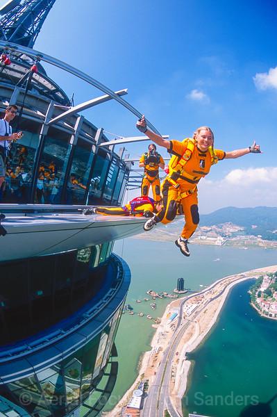 Denise Sanders BASE jumping, skydiving & powered hang-gliding