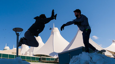 031621_westin_deck_snowball_fight-008